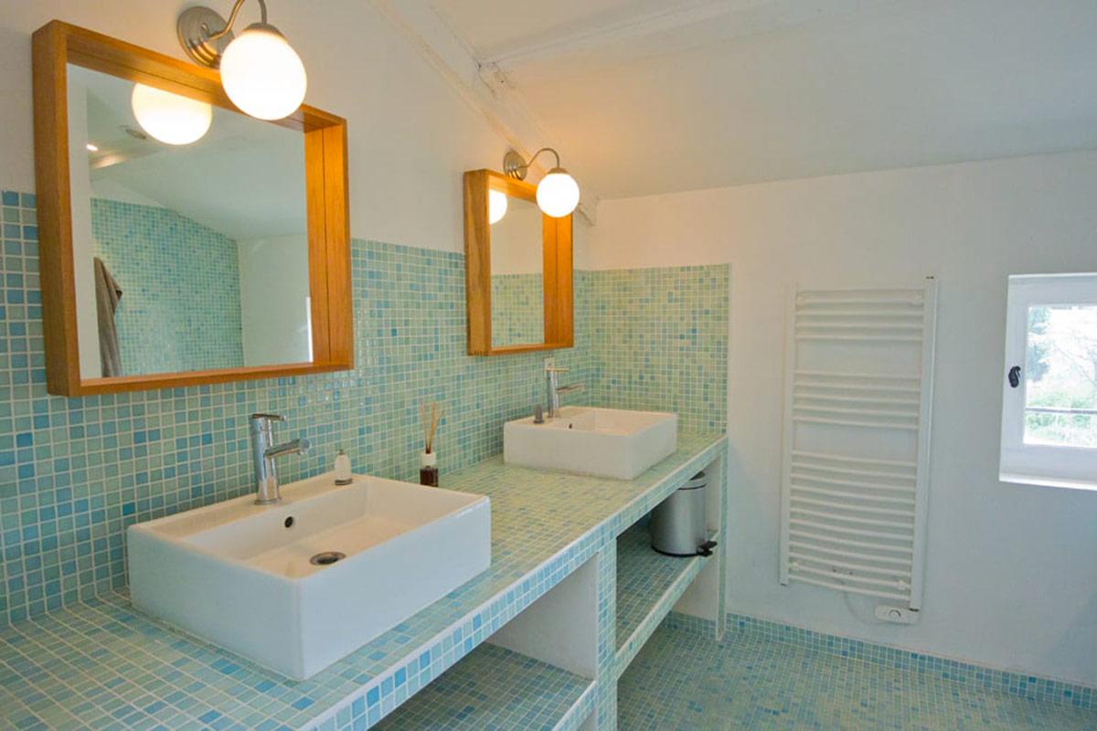 Maison en pierre renovee avec piscine et jardin agence for Achat maison uzes