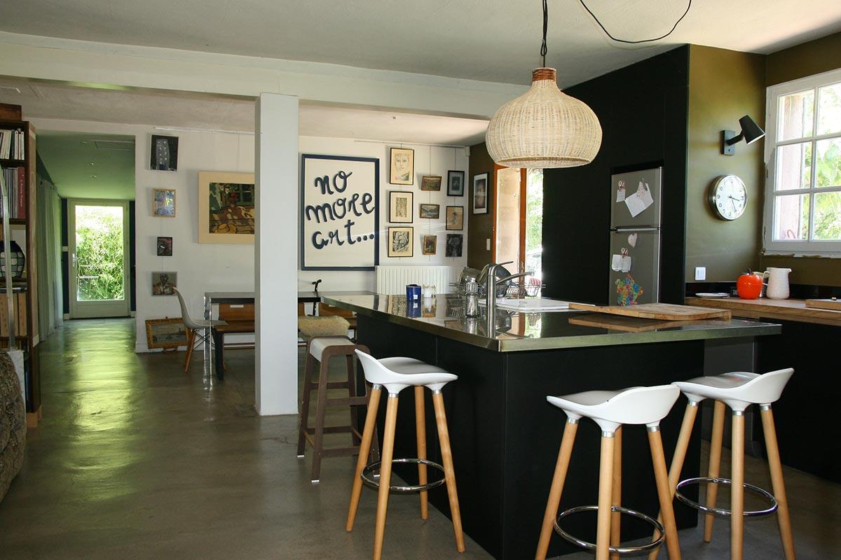 maison de plain pied avec piscine au coeur d n pied avec piscine au coeur d 39 un parc de 4 000 m2. Black Bedroom Furniture Sets. Home Design Ideas