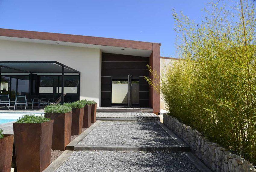 villa contemporaine a vendre a uzes